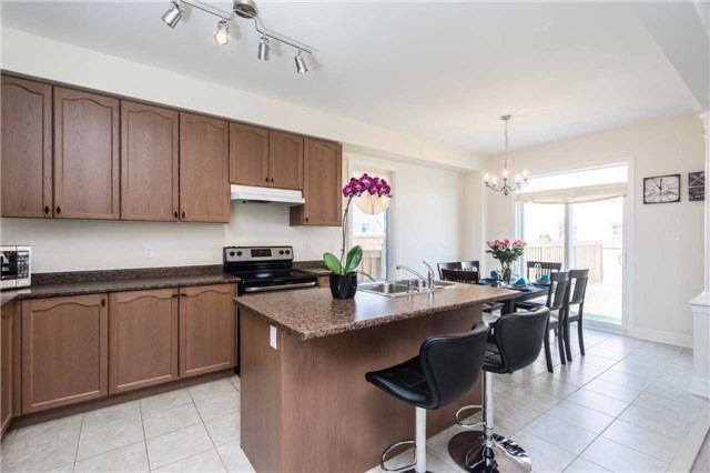 Detached at 1404 Butler St, Innisfil, Ontario. Image 15