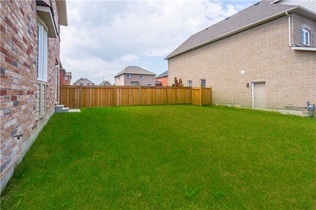 Detached at 1404 Butler St, Innisfil, Ontario. Image 13