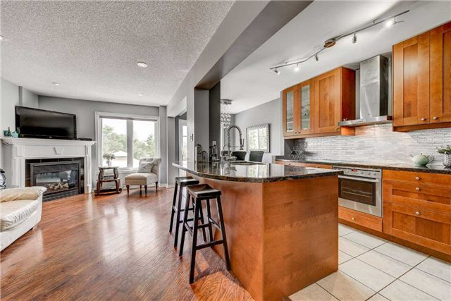 Townhouse at 25 Mistleflower Crt, Richmond Hill, Ontario. Image 14