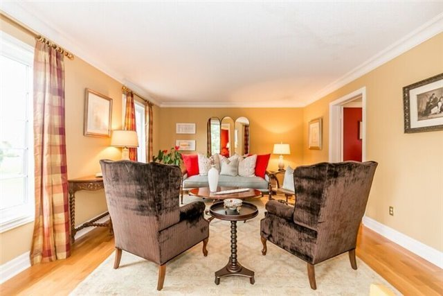 Detached at 2 Cynthia Cres, Richmond Hill, Ontario. Image 14
