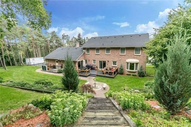 Detached at 2 Cynthia Cres, Richmond Hill, Ontario. Image 11