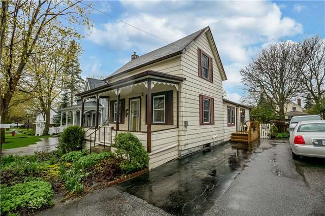 Detached at 30 Victoria St, Whitchurch-Stouffville, Ontario. Image 1