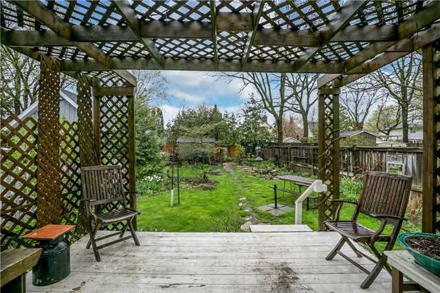 Detached at 30 Victoria St, Whitchurch-Stouffville, Ontario. Image 10