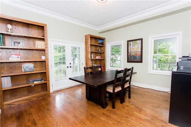 Detached at 4 Vanvalley Dr, Whitchurch-Stouffville, Ontario. Image 17