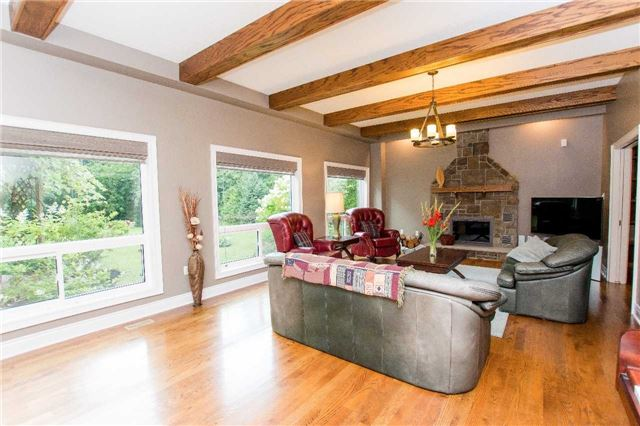 Detached at 4 Vanvalley Dr, Whitchurch-Stouffville, Ontario. Image 19