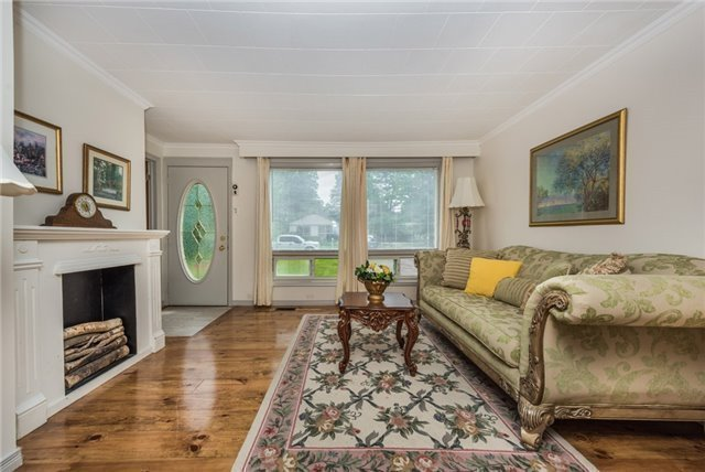 Detached at 2040 Inglewood Dr W, Innisfil, Ontario. Image 9