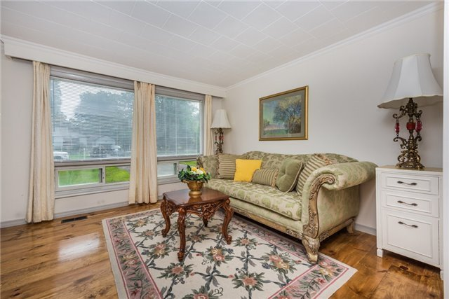 Detached at 2040 Inglewood Dr W, Innisfil, Ontario. Image 10