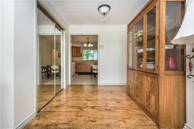 Detached at 2040 Inglewood Dr W, Innisfil, Ontario. Image 11