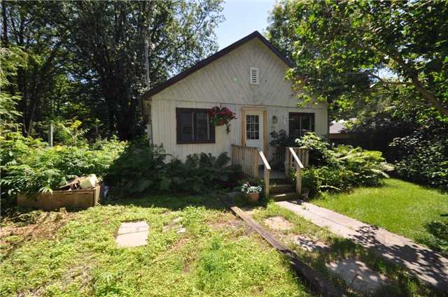 Detached at 77 Seventh St, Brock, Ontario. Image 1