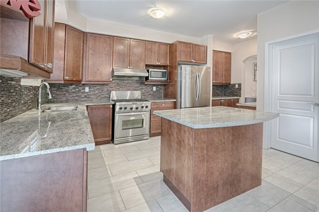 Detached at 46 Solace Rd, Markham, Ontario. Image 19