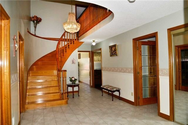 Detached at 8286 Martin Grove Rd, Vaughan, Ontario. Image 12