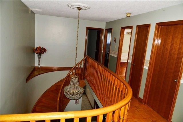Detached at 8286 Martin Grove Rd, Vaughan, Ontario. Image 19