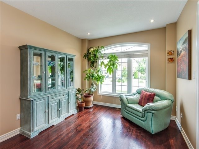 Detached at 135 Leameadow Rd, Vaughan, Ontario. Image 15
