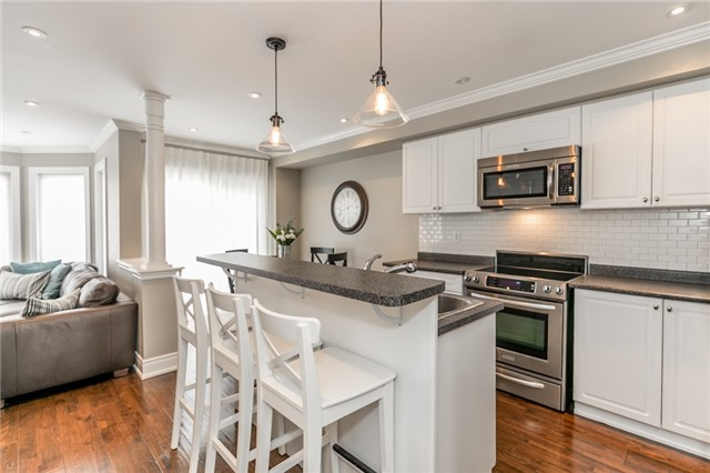 Townhouse at 73 Sequin Dr, Richmond Hill, Ontario. Image 18