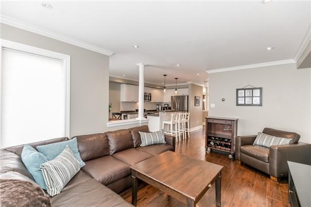 Townhouse at 73 Sequin Dr, Richmond Hill, Ontario. Image 5