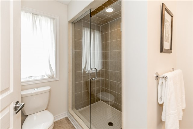 Townhouse at 73 Sequin Dr, Richmond Hill, Ontario. Image 9