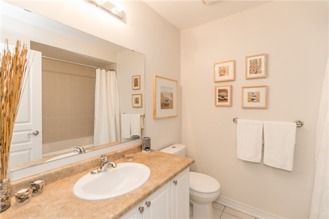 Townhouse at 73 Sequin Dr, Richmond Hill, Ontario. Image 10
