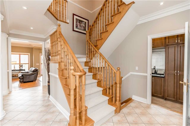 Detached at 86 Kettle Crt, Vaughan, Ontario. Image 13