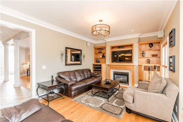 Detached at 86 Kettle Crt, Vaughan, Ontario. Image 18