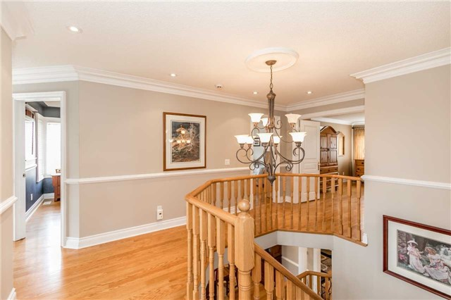 Detached at 86 Kettle Crt, Vaughan, Ontario. Image 2