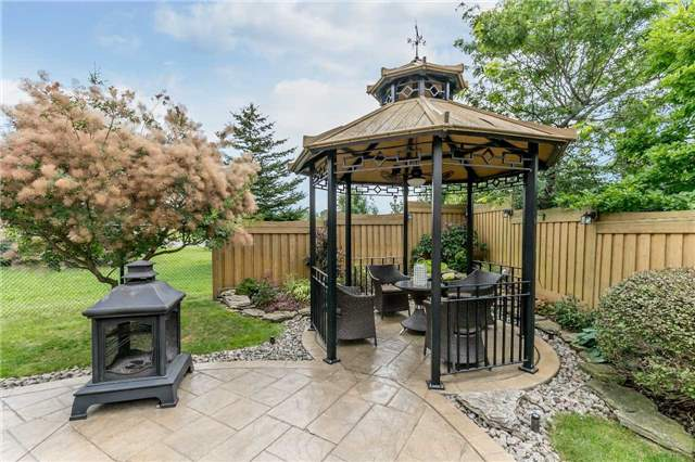 Detached at 86 Kettle Crt, Vaughan, Ontario. Image 9