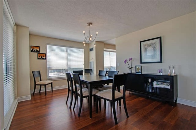 Condo Apartment at 7 North Park Rd, Unit 1811, Vaughan, Ontario. Image 15