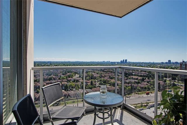 Condo Apartment at 7 North Park Rd, Unit 1811, Vaughan, Ontario. Image 16
