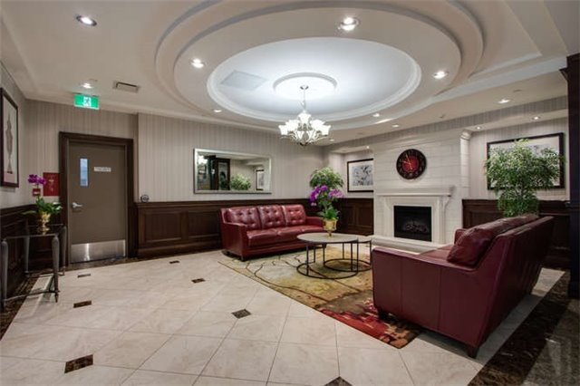 Condo Apartment at 7 North Park Rd, Unit 1811, Vaughan, Ontario. Image 18