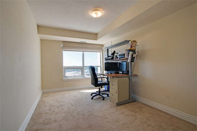 Condo Apartment at 7 North Park Rd, Unit 1811, Vaughan, Ontario. Image 7