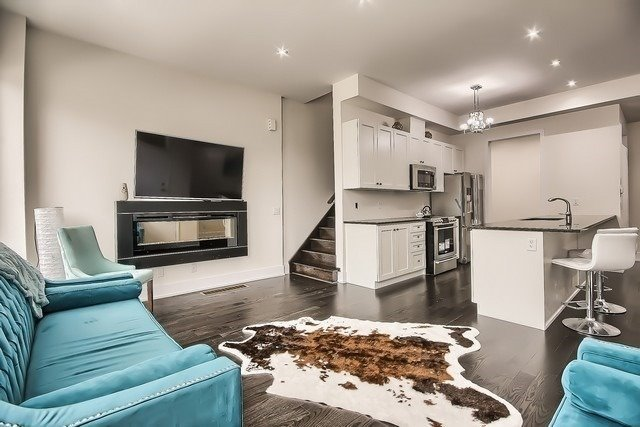 Townhouse at 92 Sunset Terr, Vaughan, Ontario. Image 9