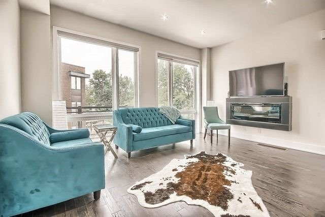 Townhouse at 92 Sunset Terr, Vaughan, Ontario. Image 2