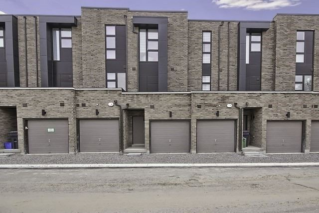Townhouse at 92 Sunset Terr, Vaughan, Ontario. Image 8