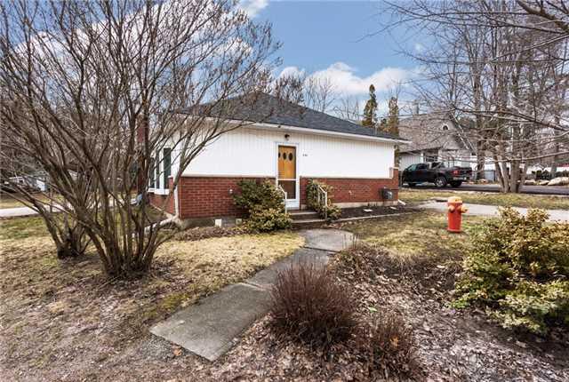 Detached at 806 Adams Rd, Innisfil, Ontario. Image 6