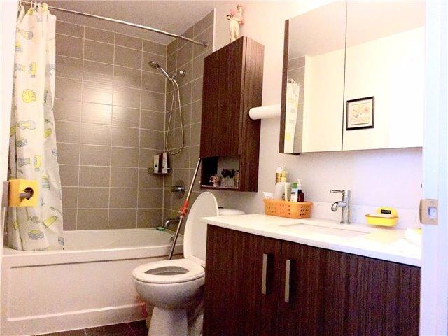 Condo Apartment at 28 Uptown Dr, Unit 227, Markham, Ontario. Image 3