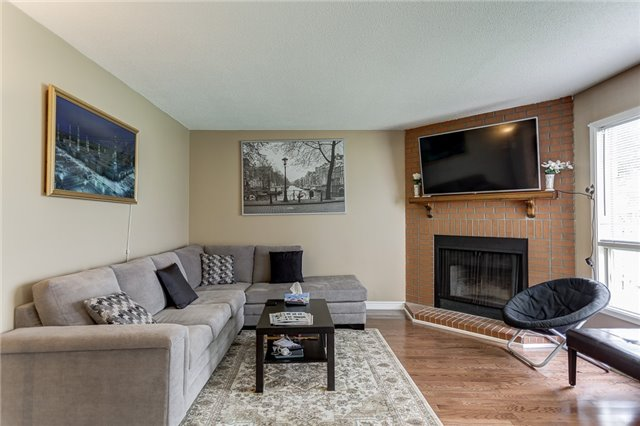 Detached at 40 Karen Miles Cres, Markham, Ontario. Image 2