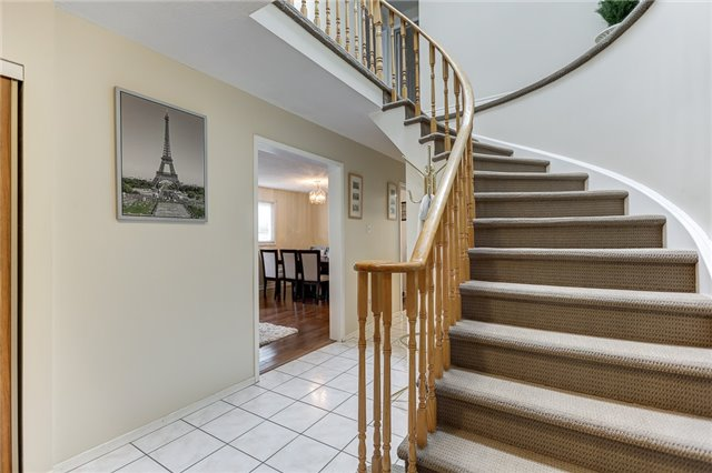 Detached at 40 Karen Miles Cres, Markham, Ontario. Image 4
