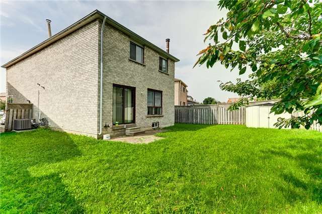 Detached at 40 Karen Miles Cres, Markham, Ontario. Image 13