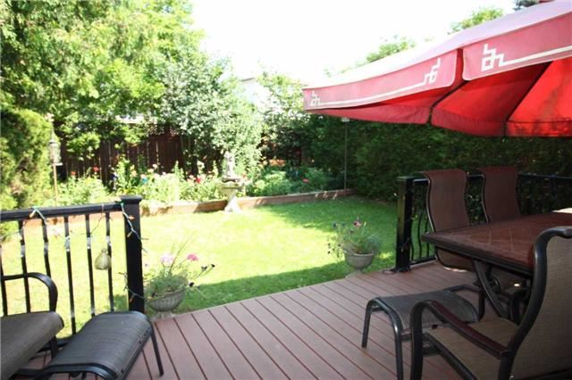 Detached at 707 Irwin Cres, Newmarket, Ontario. Image 11
