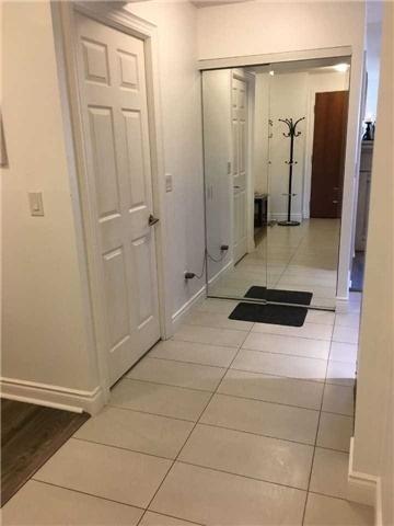 Condo Apartment at 39 Galleria Pkwy, Unit 819, Markham, Ontario. Image 9
