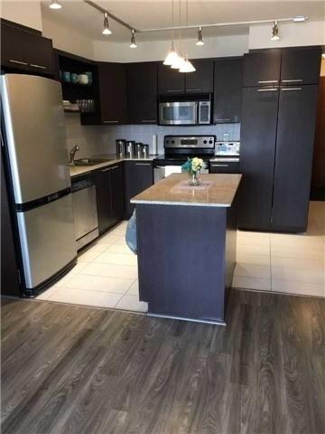 Condo Apartment at 39 Galleria Pkwy, Unit 819, Markham, Ontario. Image 10