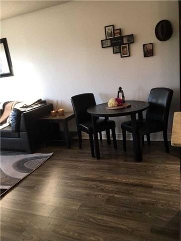 Condo Apartment at 39 Galleria Pkwy, Unit 819, Markham, Ontario. Image 12
