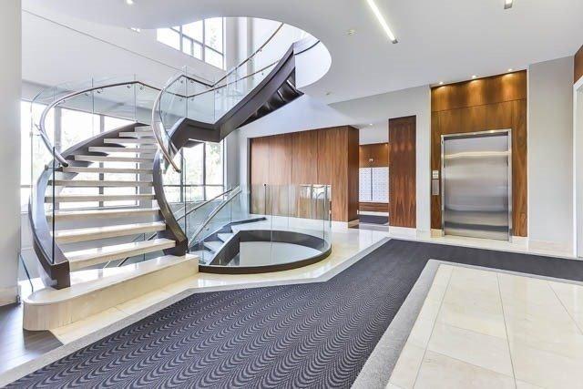 Condo Apartment at 39 Galleria Pkwy, Unit 819, Markham, Ontario. Image 2