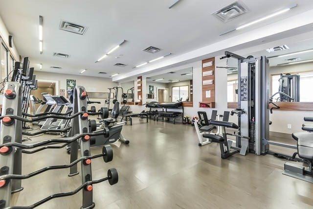 Condo Apartment at 39 Galleria Pkwy, Unit 819, Markham, Ontario. Image 3
