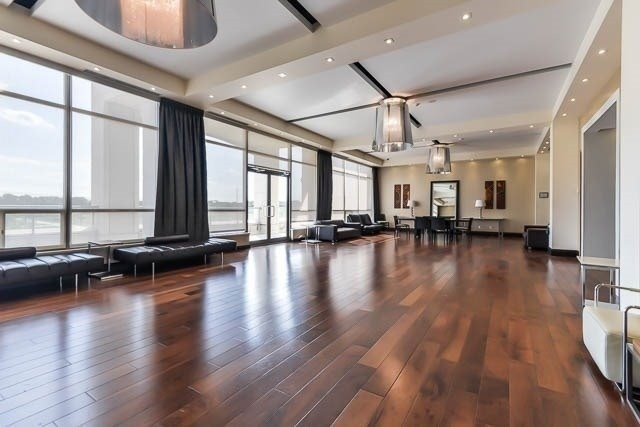 Condo Apartment at 39 Galleria Pkwy, Unit 819, Markham, Ontario. Image 4