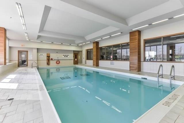Condo Apartment at 39 Galleria Pkwy, Unit 819, Markham, Ontario. Image 6