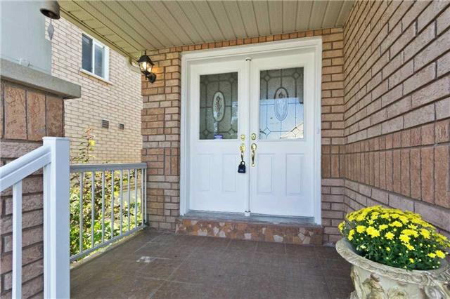 Detached at 90 Wilcox Rd, Vaughan, Ontario. Image 12