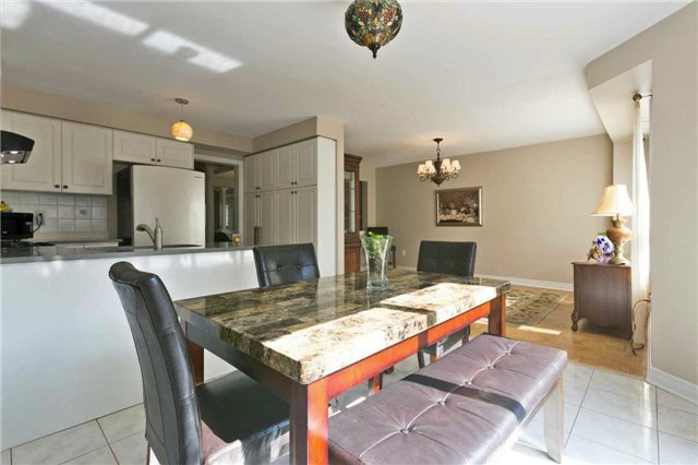 Detached at 90 Wilcox Rd, Vaughan, Ontario. Image 2