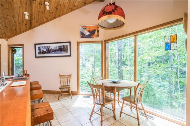 Detached at 12622 Mill Rd, King, Ontario. Image 19