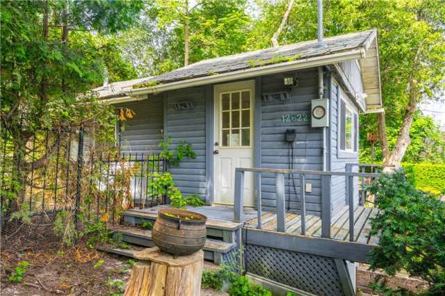 Detached at 12622 Mill Rd, King, Ontario. Image 11