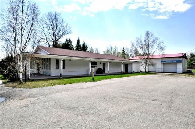 Detached at 22080 Highway 48, East Gwillimbury, Ontario. Image 5